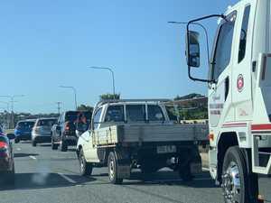 Crash causes traffic chaos on Ron Camm Bridge