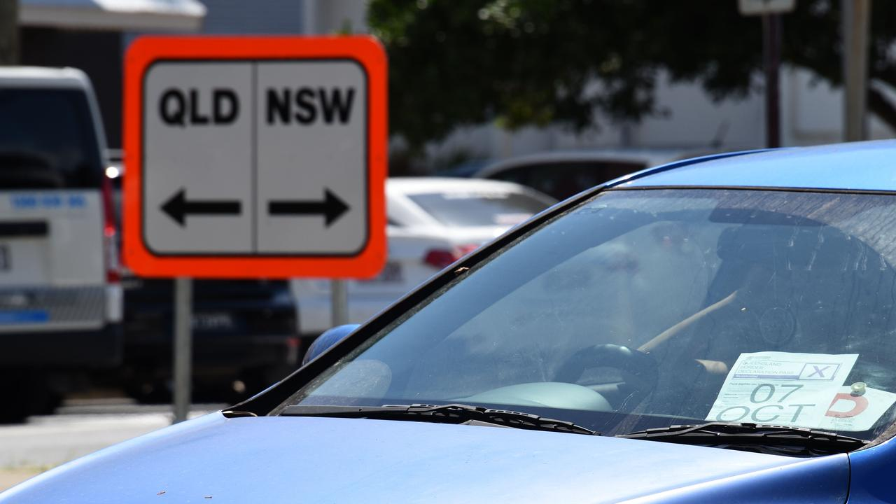 Police check cars at the Queensland-NSW border on Griffith Street, Coolangatta. Picture: NCA NewsWire/Steve Holland