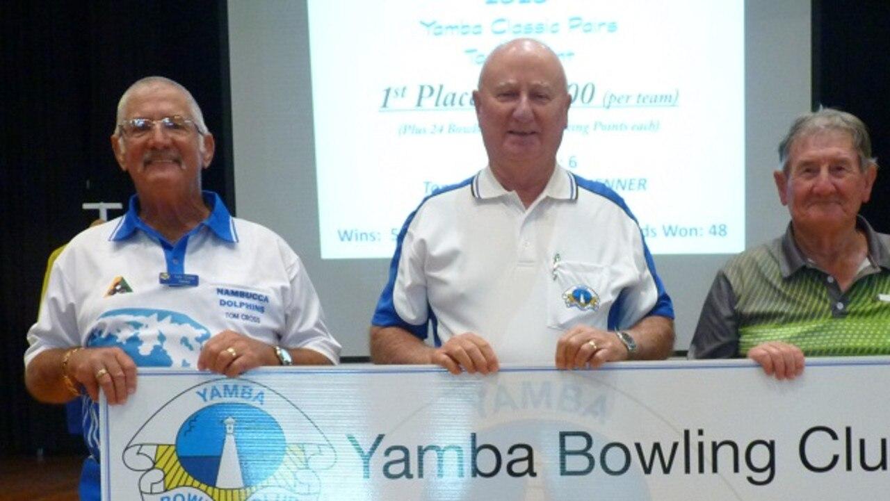 2020 Yamba Classic Pairs winners Tom Cross (Yamba) and Tracey Jenner (Iluka) with Yamba President, Ian Lauder