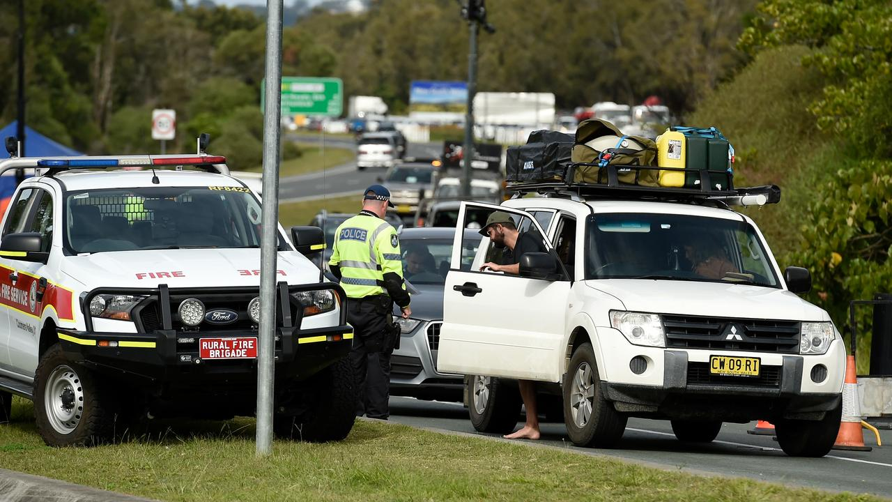 Police checking drivers at a Gold Coast Highway checkpoint (Photo by Matt Roberts/Getty Images)