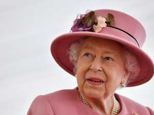 Queen steps out in first post-lockdown event