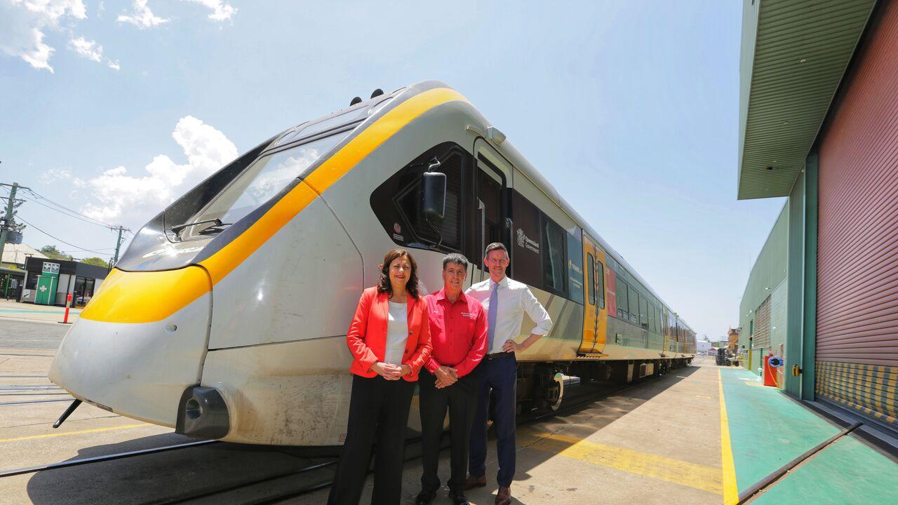 Premier Annastacia Palaszczuk with Member for Maryborough Bruce Saunders and Transport Minister Mark Bailey in 2019. Photo: File