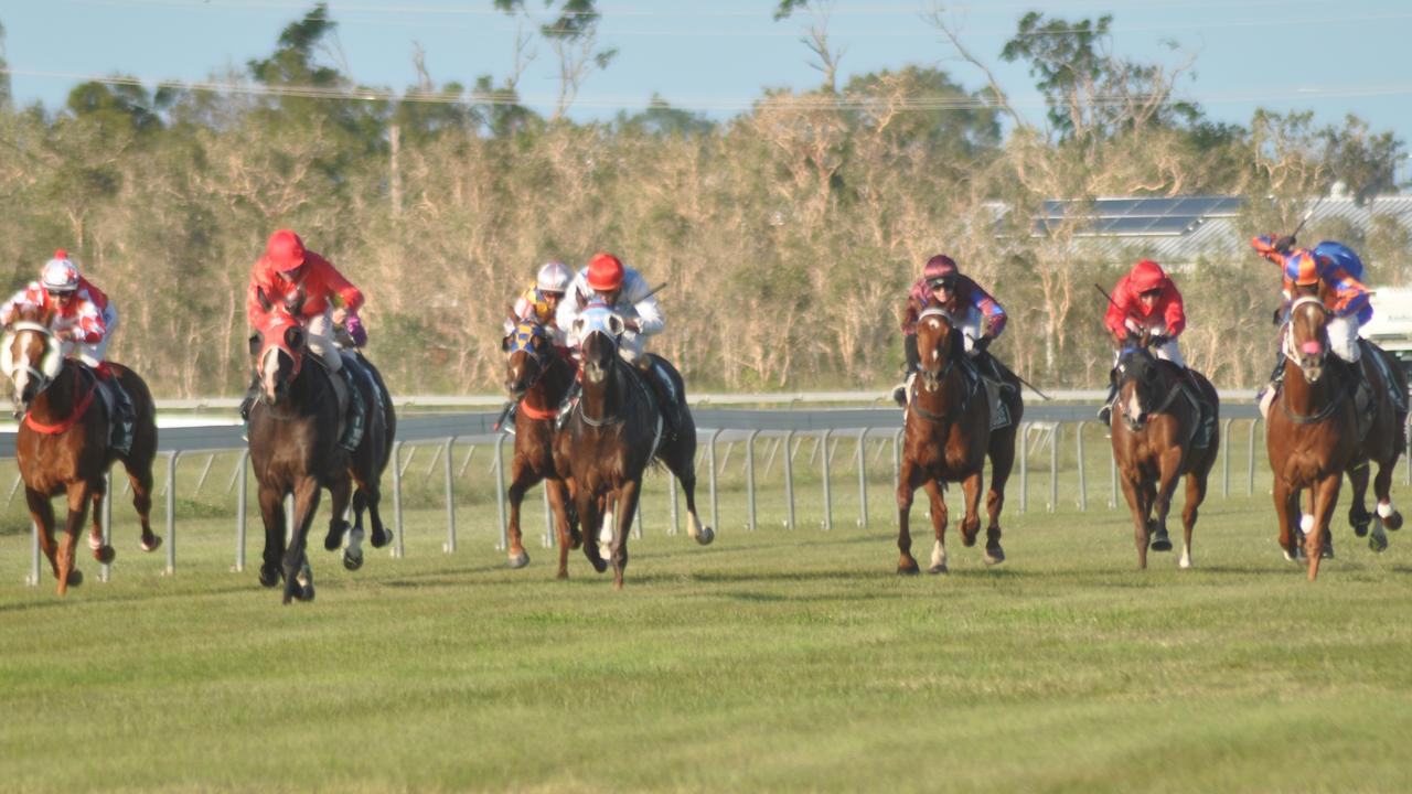 Horses in the final straight in the 2017 Whitsunday Cup at Ben Bolt Park. Photo: Contributed