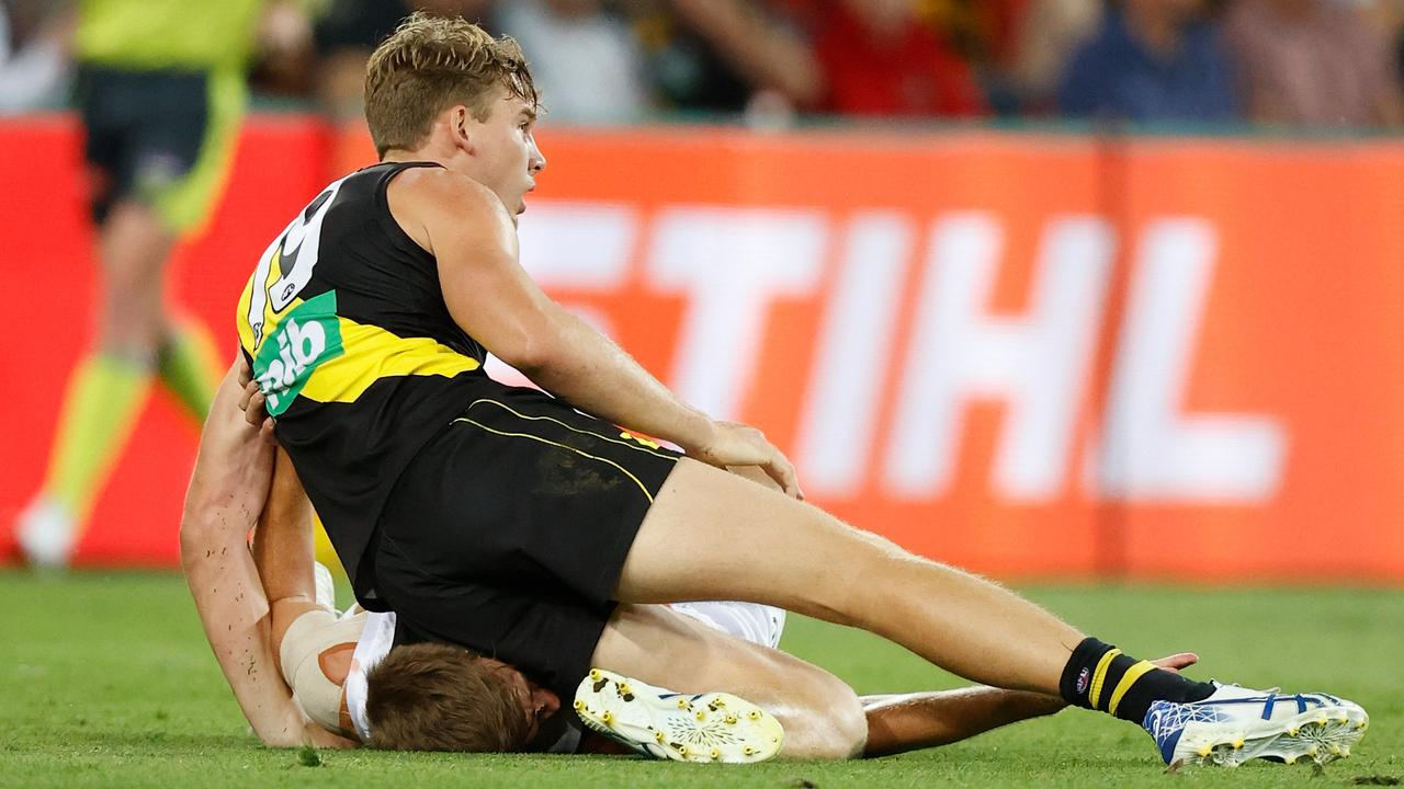 Tom Lynch was fined for kneeing St Kilda defender Dougal Howard.