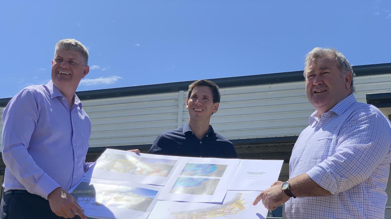 Minister for Local Government Stirling Hinchliffe visited Bundaberg last week to formally announce a $42.5 million commitment for the Bundaberg East flood levee with Labor candidate Tom Smith and Bundaberg Mayor Jack Dempsey. Photo: Geordi Offord