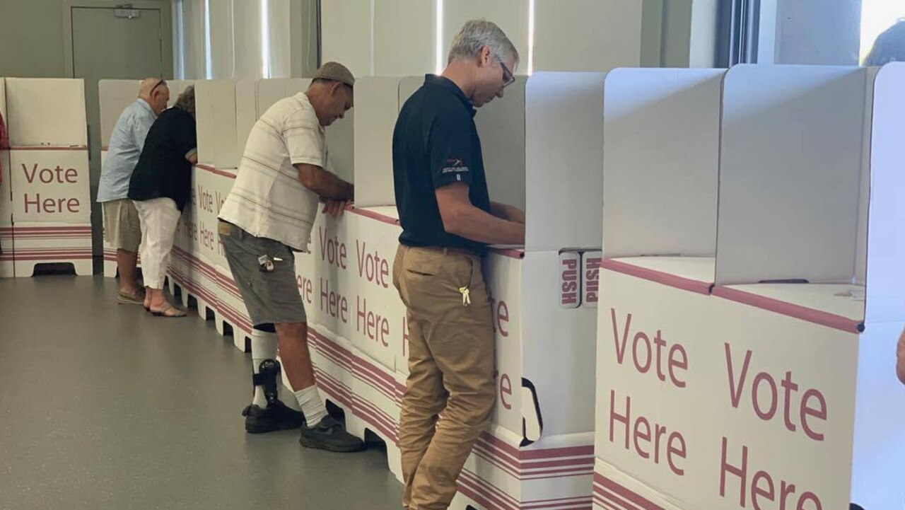 Mackay residents in a rush to vote early for the Queensland election.