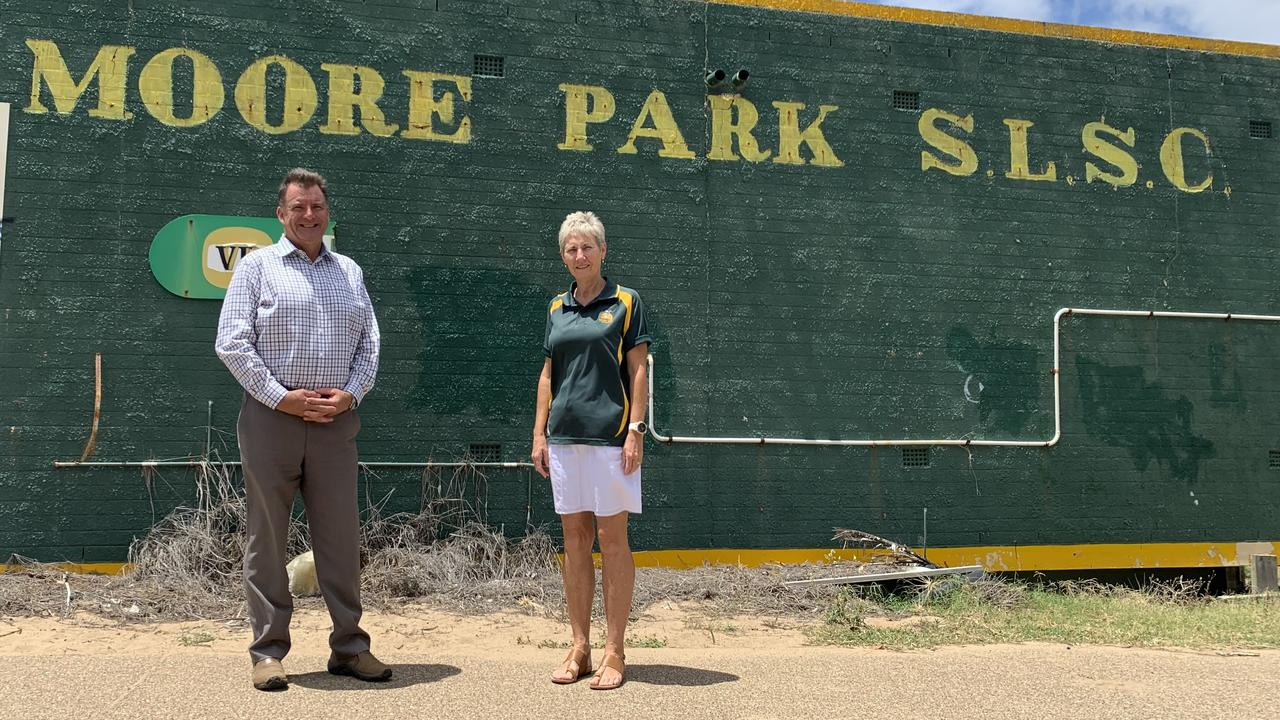 Incumbent MP Stephen Bennett and Moore Park Surf Life Saving Club president Leigh Schuch. Photo: Geordi Offord