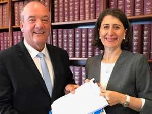 Gladys in 'real trouble' over key claim
