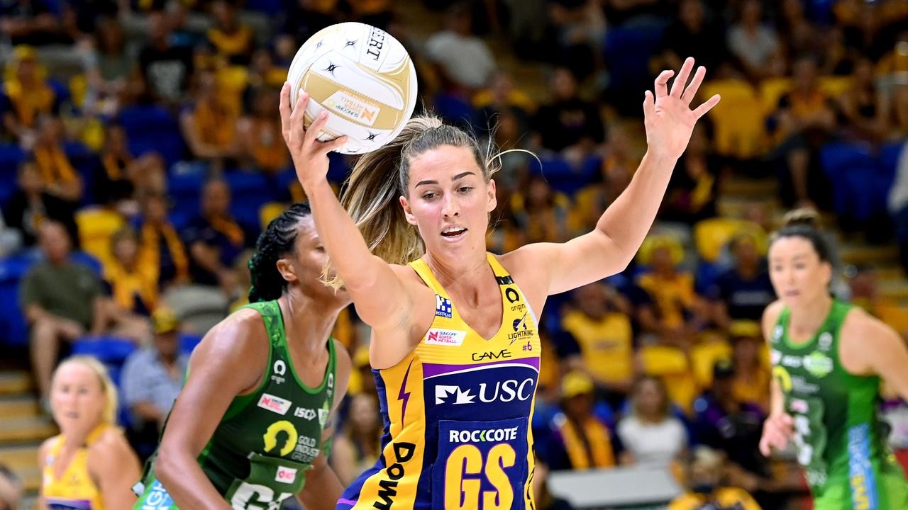 Cara Koenen of the Lightning in action during the Super Netball Preliminary Final match against West Coast Fever. Picture: Bradley Kanaris/Getty Images