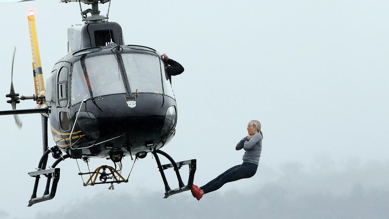 Roxy Jacenko falling out of chopper on SAS Australia.