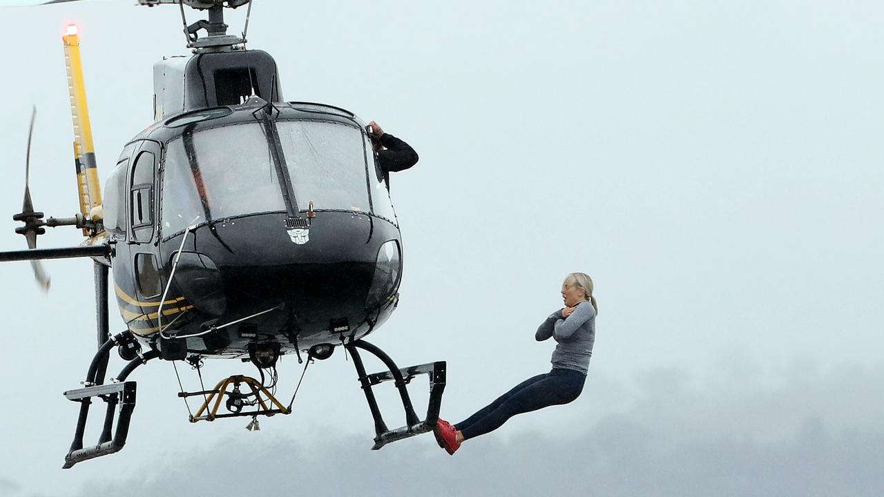 Roxy Jacenko falling out of chopper on SAS Australia.