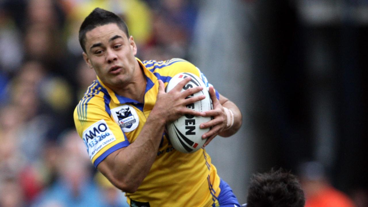 Jarryd Hayne turned up for the 2009 grand final with two left boots.