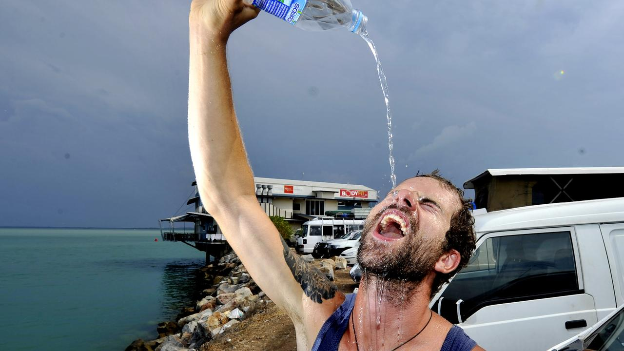 Mackay residents are warned to expect muggy weather this weekend.