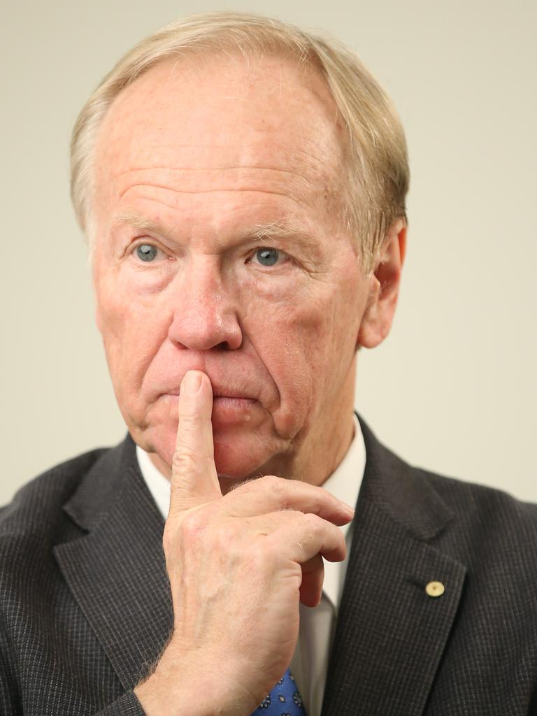 Former Qld Premier Peter Beattie has urged his home state to adopt the NSW COVID model. Picture: David Kelly