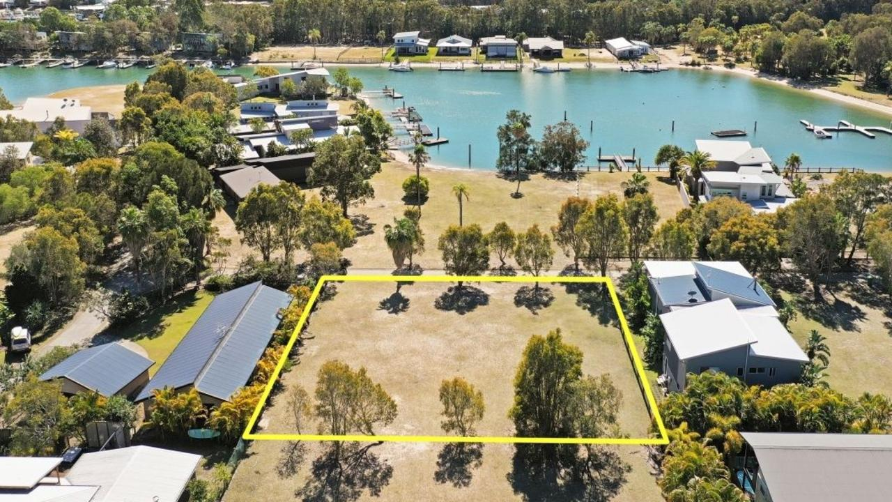 5 Wallaby Way, Couran Cove. Photo: realestate.com.au