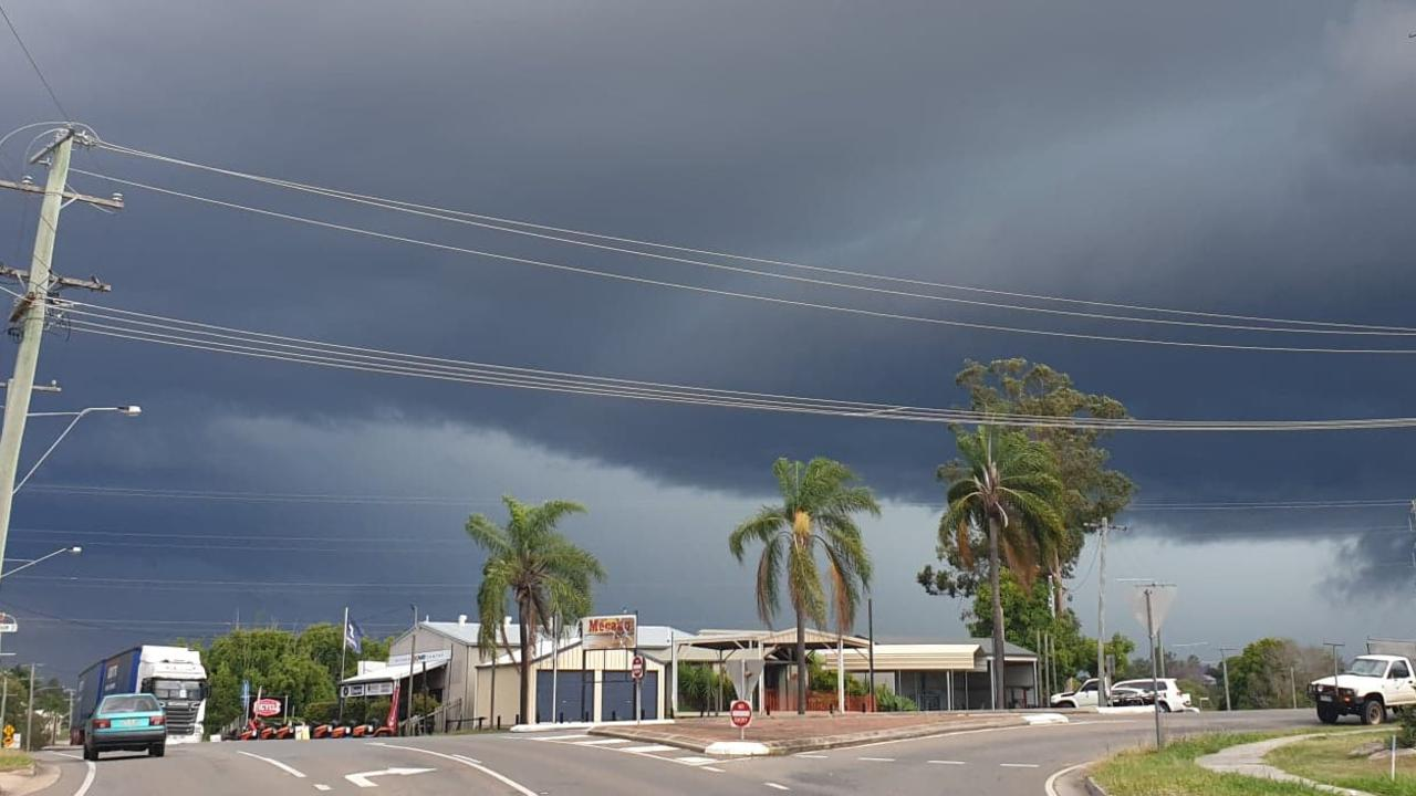 A thunderstorm rolls in over Gympie this afternoon – this picture taken at Brisbane Rd.