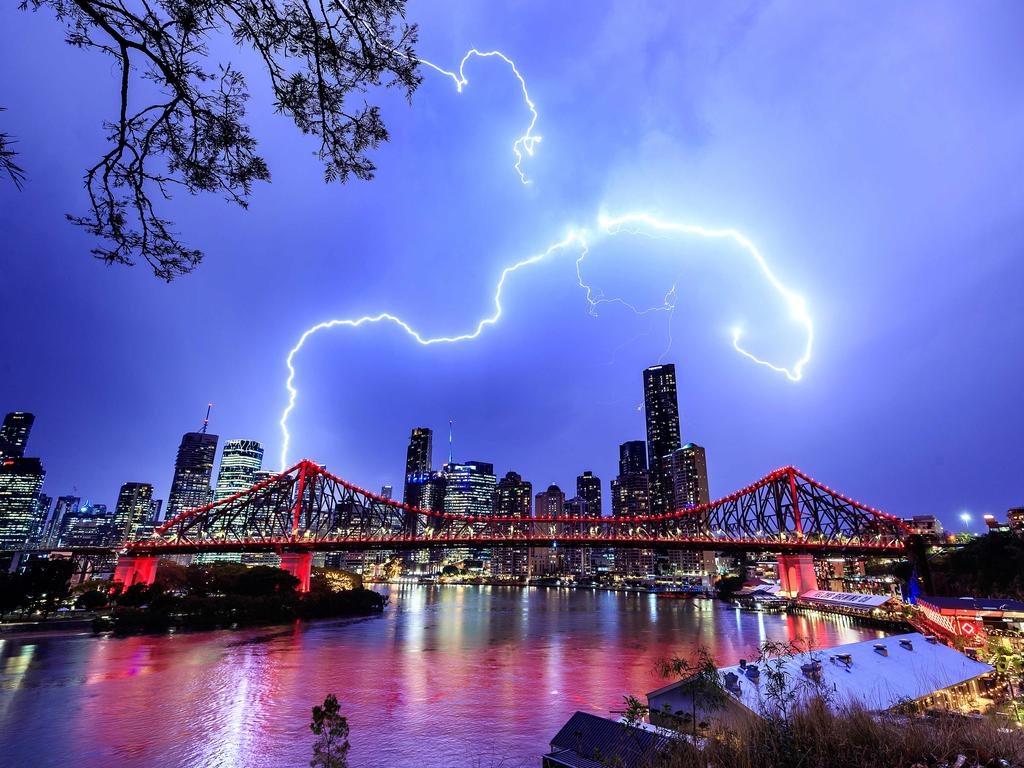 Lightning from the thunder storms pictured passing over the Story Bridge in Brisbane, 28th of October 2020. (Image/Josh Woning)