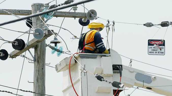 Storms cut power to more than 2000 homes
