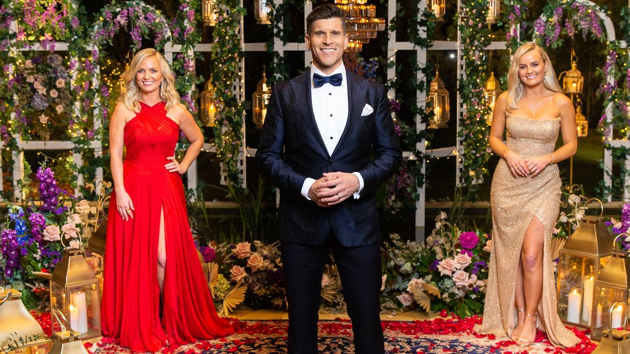 Bachelorette sisters Elly and Becky Miles' with host Osher Gunsberg.