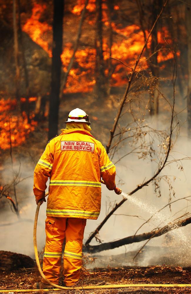 RFS crews hold back a fire front burning through Ben Bullen in December. Picture: Sam Ruttyn