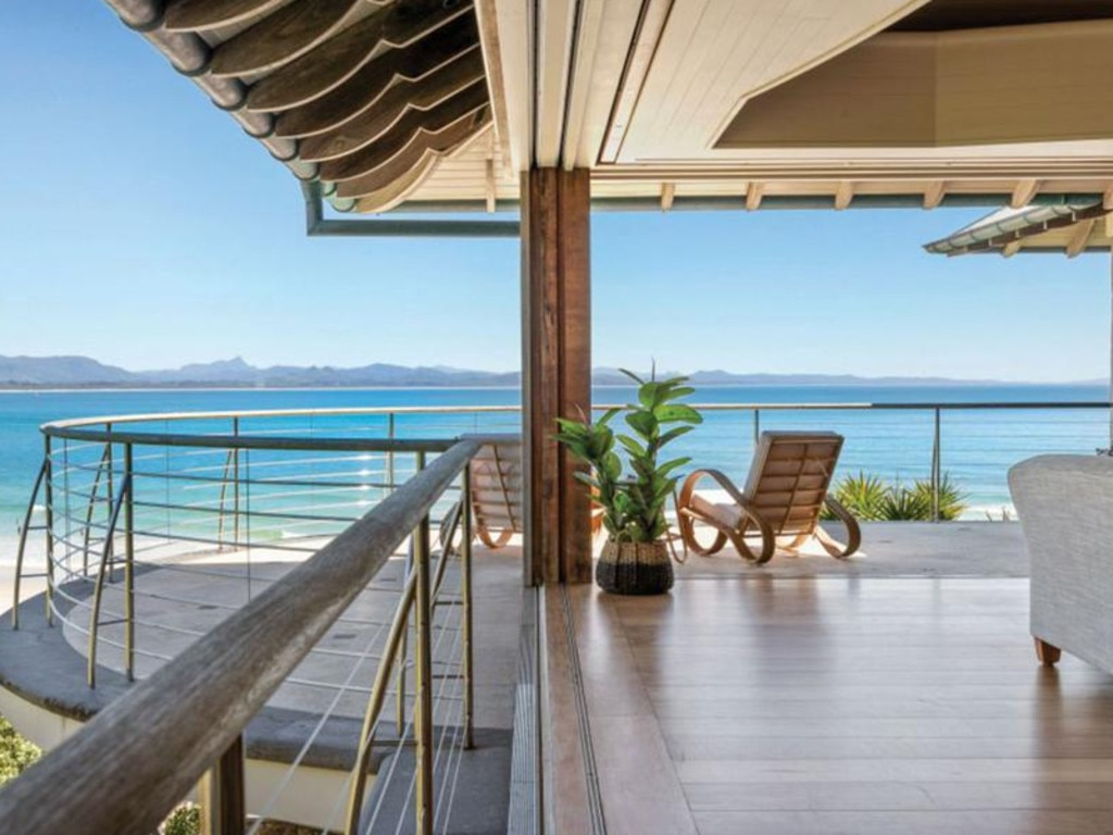 Did Damon buy this beachfront home on Marine Pde?
