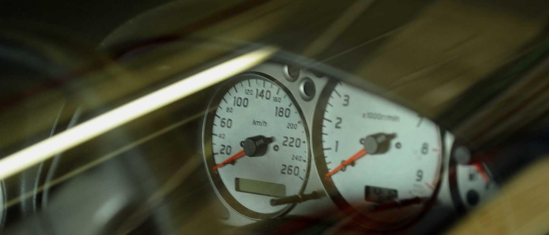 n43ht963 hoon speedo , generic shot of car speedometer for car hoon / speeding story