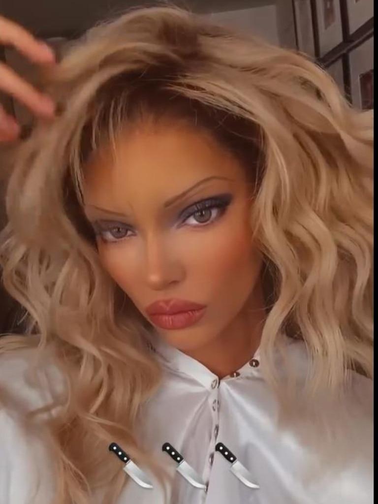 Kendall Jenner as Pamela Anderson.