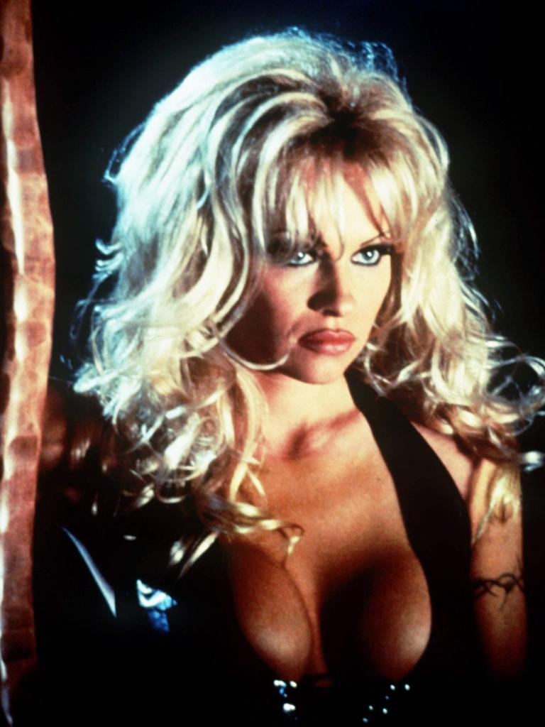 Pamela Anderson in the movie Barb Wire.