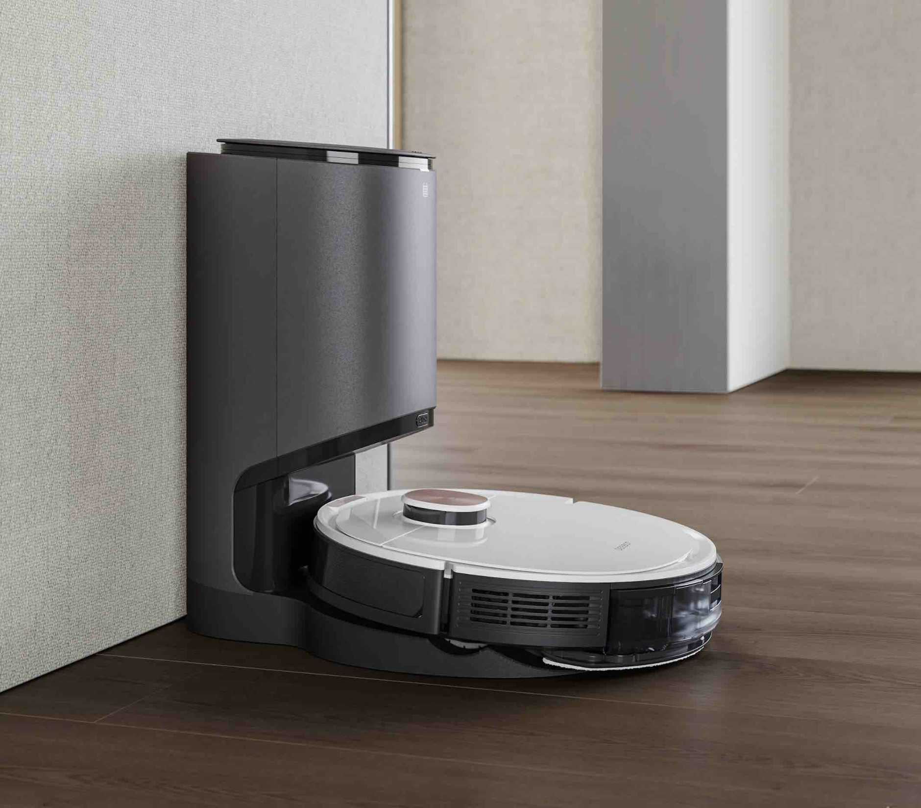 The DEEBOT OZMO T8 and automatic cleaning station make for a very clever combination.