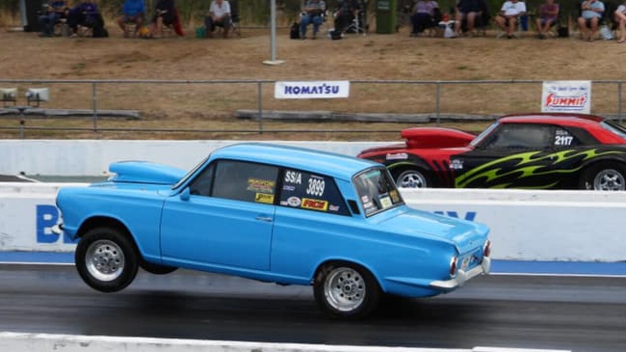 Shane Stefanuik (wheelstanding) took the win in the Outlaws class at the CQDRA championship round six.