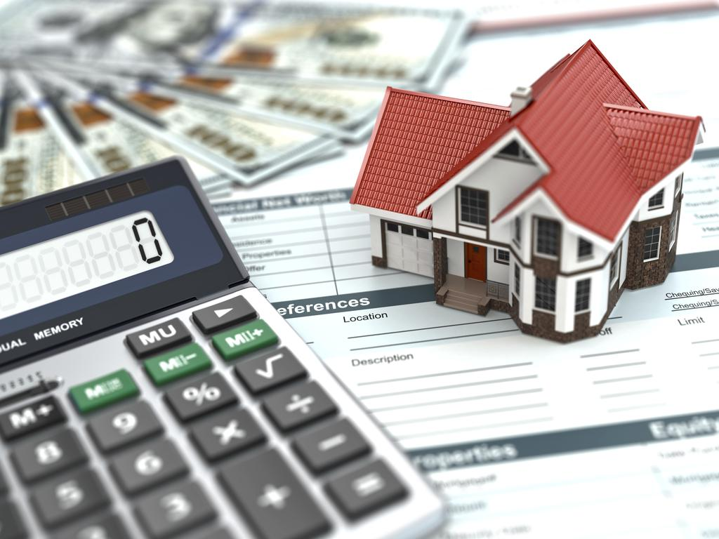 Borrowers should be cautious before locking in a fixed rate home loan deal.