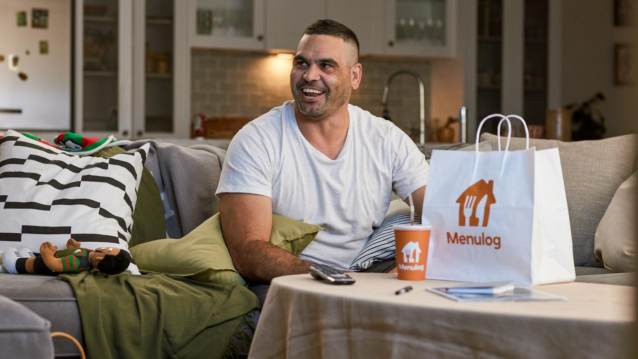 Greg Inglis appears in a new Menulog campaign alongside Snoop Dogg. Picture: Menulog/ Supplied