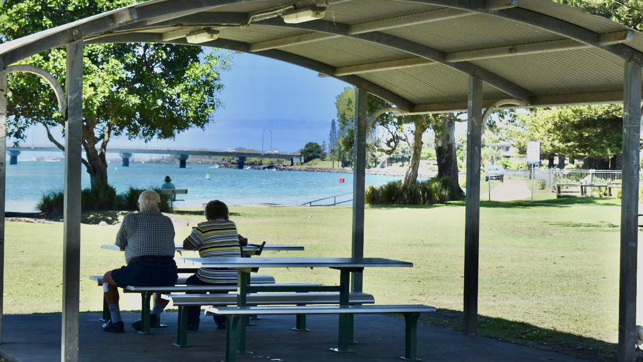 Meldrum Park in Ballina overlooks North Creek and features a basket swing and supernova spinner, sheltered picnic facilities, barbecues and public toilets.