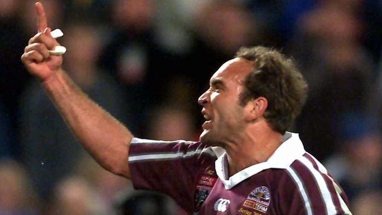 Gorden Tallis celebrates Queensland's final try and victory in 2002.