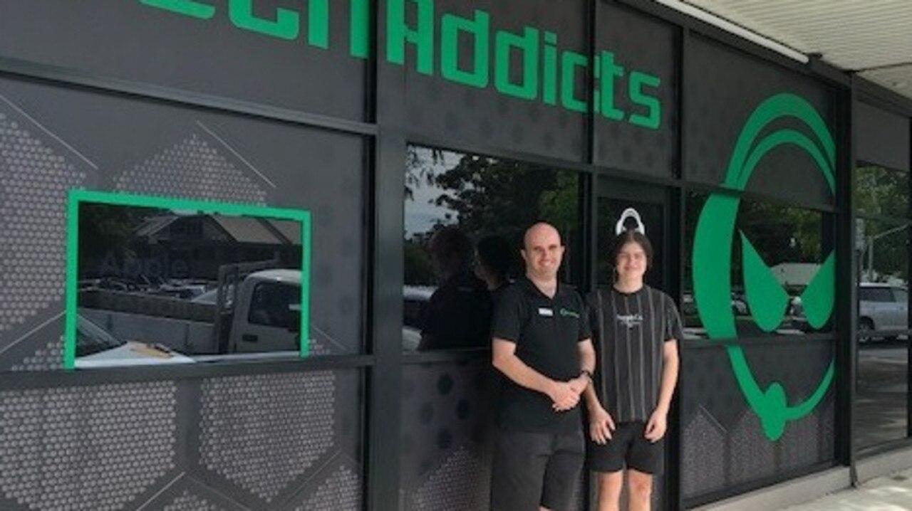 Dane Cornish with TechAddicts owner Matt Adams.