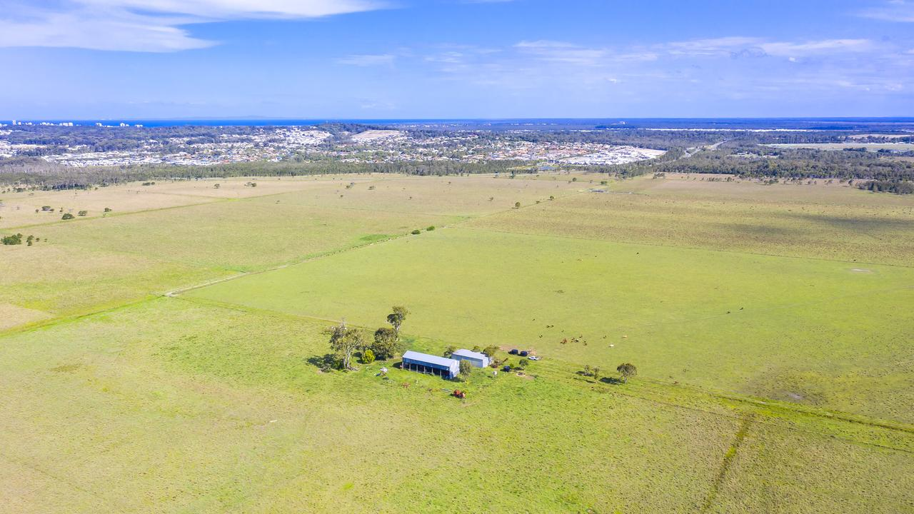 A Sunshine Coast cattle property which sits on the largest alluvial sand deposit ever discovered in Queensland has come onto the market. Situated at Meridan Plains, near the Corbould Park racecourse, the 208.55 ha property has been the site of a cattle fattening operation for the past few decades.