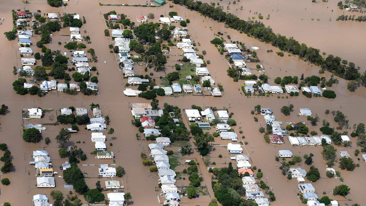 RECURRING PROBLEM: Houses are surrounded by floodwaters at Depot Hill in Rockhampton, Thursday, April 6, 2017. (AAP Image/Dan Peled)