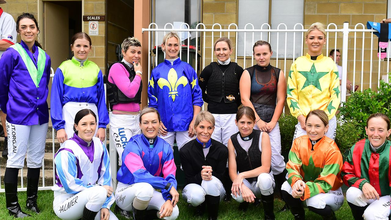 Front row: L-R Rikki Palmer, Skye Bogenhuber, Louise Dillon, Kelly Gates, Lani Fancourt, Hannah Phillips Back Row: L-R Sophie Wilcox, Angela Taylor, Cecily Eaton, Laura Cheshire, Hannah English, Melissa Cox, Minnoette Kennedy. Picture: Grant Peters/Trackside Photography