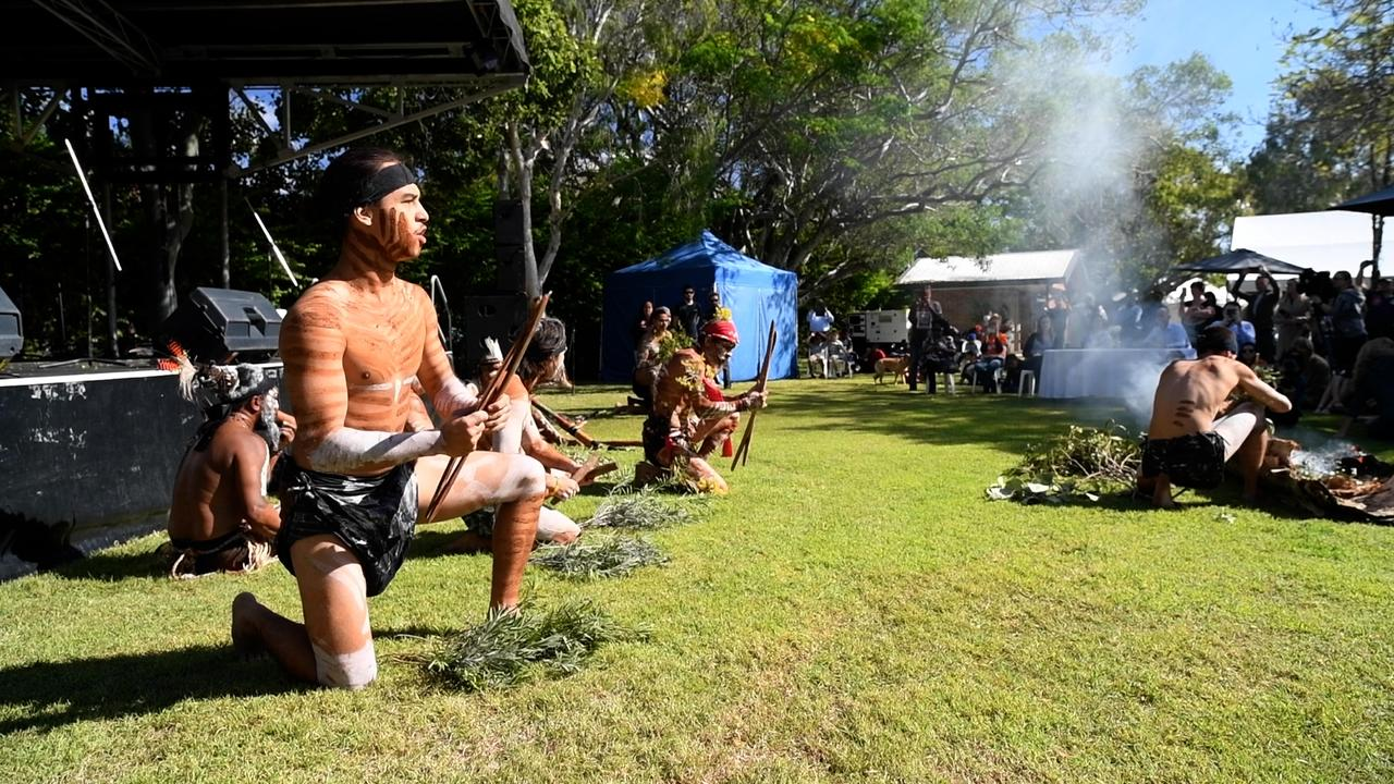 Traditional smoking ceremony / on consent determination day / Nebo Park
