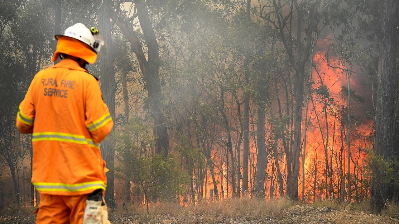 DUNMORE BLAZE: Western Downs blaze forced family to evacuate Dunmore home. Pic: Marc Stapelberg
