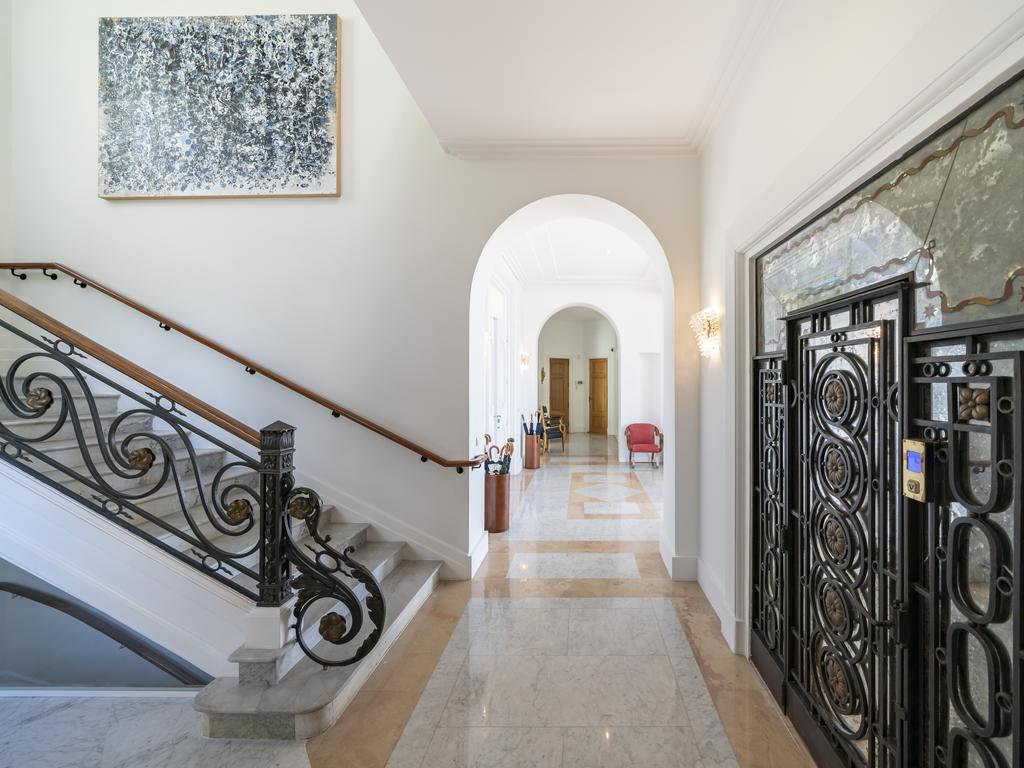 The entrance hall. Picture: Knight-Frank/TopTenRealEstate