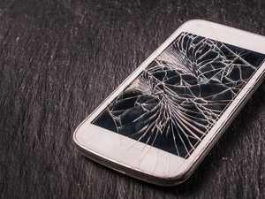 Jealous man smashes partner's phone during argument