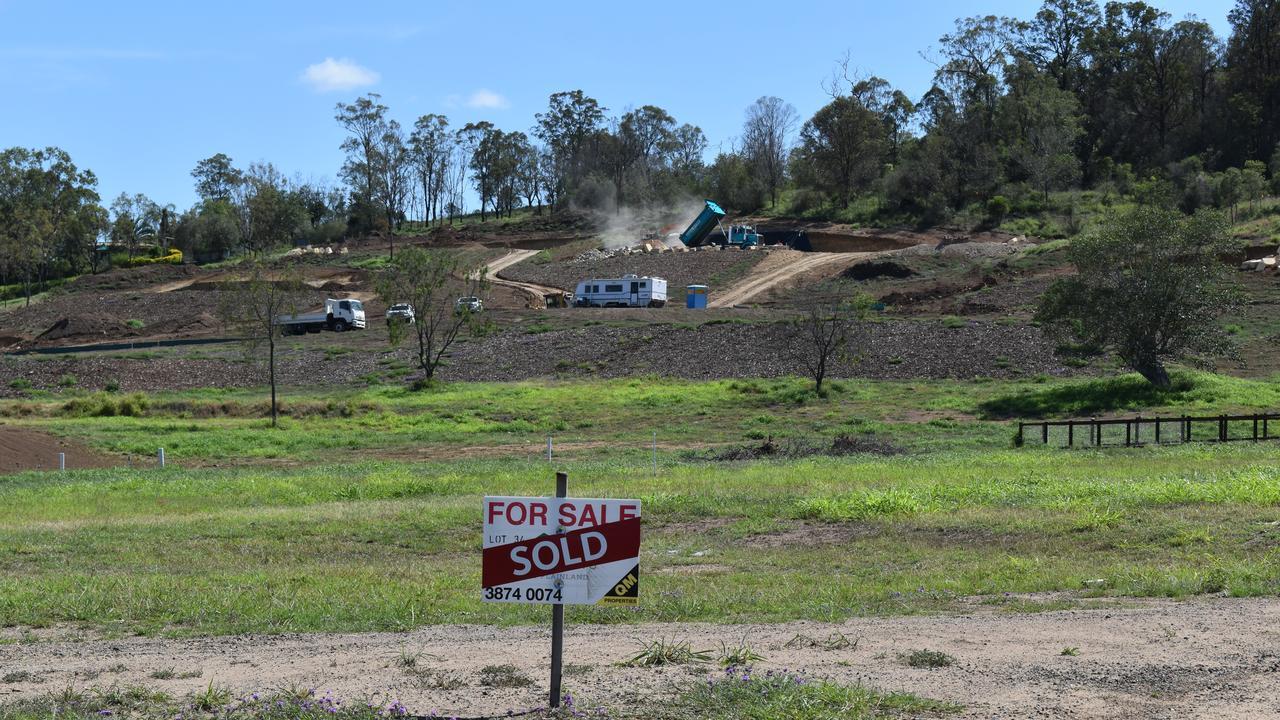 Plainland Meadows estate nears completion. Photo: Hugh Suffell
