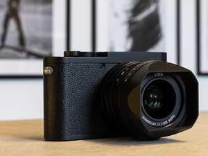 Bizarre omission on $9000 camera