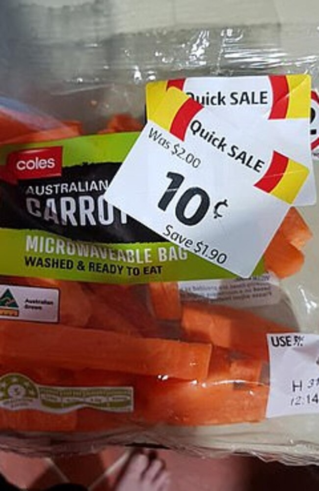 This microwavable bag of carrots were also reduced to 10c. Picture: Facebook/MarkdownAddictsAustralia