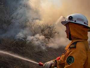Smoke warning: Crews fight Jubilee Pocket bushfire