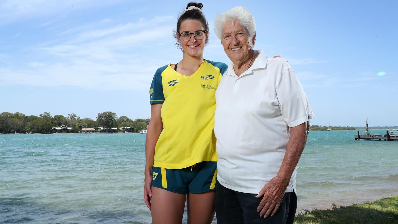 Kaylee McKeown catches up with Dawn Fraser at Noosa last year to support the 2032 Olympic bid. Picture: Liam Kidston.