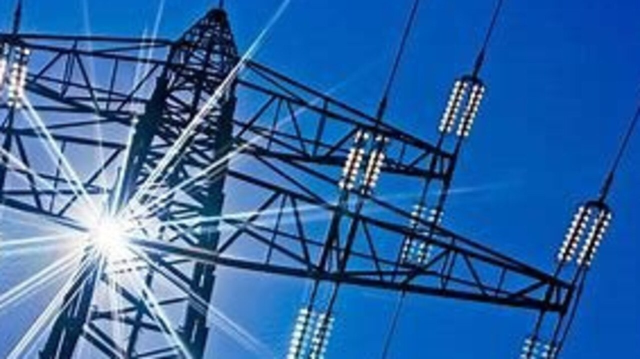 Energex crews are investigating a mass power outage on the Sunshine Coast.