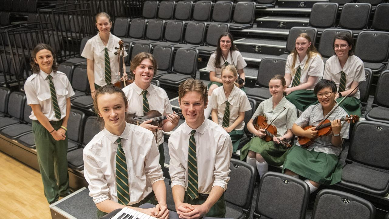 ( From left ) Julian McMicking, Emma Carland, Harrison Young, Flynn Walmsley, Nicholas Thompson, Evie Morris-Newell, Zoe Sieders, Mali Dawson, Charlotte Johnson, Katherine Tam, and Bella Morris-Newell. Centenary State High School students. Wednesday. 18th Nov 2020