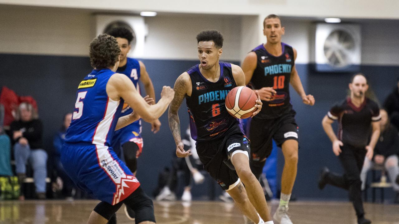 Jamaal Robateau, Phoenix Teal. Toowoomba Mountaineers vs Sunshine Coast Phoenix Teal. QSL Mens Basketball. Saturday, 8th Aug, 2020.